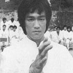 Брюс Ли (Ли Сяо Лун)