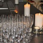 Sektempfang bei Kerzenschein
