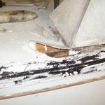 zur Überprüfung auf feuchtes Holz wurde die Dachhaut hochgeklappt