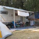 Stellplatz mit Wohnmobil und Zelt für Daniel
