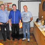 Glockenstich: vlnr.: 2. Blatter Erich, 1. Renfer Christian, 3. Bauer Markus