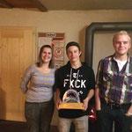Sieger Jahresmeisterschaft: vlnr. Huggler Stephanie (Rang 3); Stettler Kilian (Rang 1); Leuthold Nico (Rang 2)