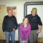 Blindstich: vlnr. Huggler Hansruedi (3.); Huggler Steffi als Ersatz für die Siegerin Schmolke Meryl; Egger Markus (2.)