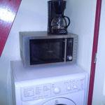 Micro-onde, lave linge et séche linge