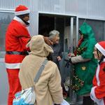サンタ、トナカイ、そしてクリスマスツリーまでも登場!