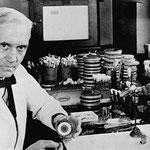 Alexander Fleming discovered penicillin.