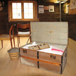 Die obere Stube während der Ausstellung zur Auswanderung von 2005.