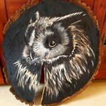 Uhu auf Holzscheibe (Acrylfarben)