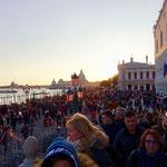 学校や博物館が閉鎖される前日のヴェネチアの様子