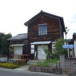 しまなみ海道初日は、伊東建築塾の手により修復された大島のみんなの家での上映会