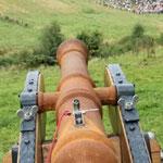 Schwere Geschütze sorgten für Kriegsakustik.