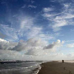 sc-006   Het brede strand van Schiermonnikoog.