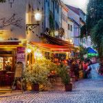 Die schöne Wagnergasse mit vielen Kneipen im Zentrum von Jena