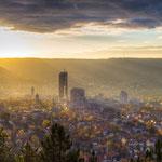 Die traumhafte Skyline von Jena an einem Herbstmorgen