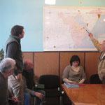 главный инженер Крамчанинов А.В. демонстрирует спонсорам схему мелиоративной сети району
