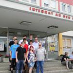 Die zur Unterstützung angereisten Bäckerlehrlinge der ersten Klasse mit LIM Ringhofer und FL Pingitzer.