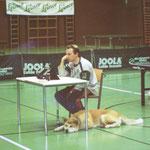 Marcel Petry mit seinem Begleiter beim Ranglistenturnier im Gymnasium 29.9.1996