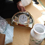 「新品の時計が出て来たよ!寝室の時計が壊れて困ってたからすぐ使おう」