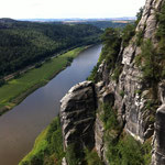 Felsriff an der Elbe