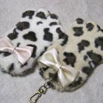 のびのび猫の手パスケース