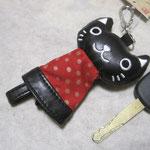 のびのび猫のキーカバー黒