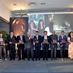 Foto ricordo al termine della serata di gala con i Membri del Comitato d'Onore . (Studio Italphoto Mesagne)