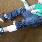 Kinder haben Spass beim Erste Hilfe lernen