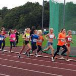 Carolin läuft mit einer Zeit von 2:42,30 über 800m ins Ziel und holt sich den oberbayr. Meister-Titel !