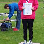 Carolin springt mit 4,35m auf Platz 3