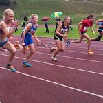 Start 75m Carolin und Lucia - Lucia qualifiziert sich erst für's Finale und holt sich dann mit persönl. Bestzeit den Vizemeister-Titel