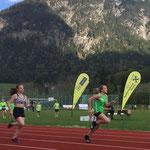 4x100m mit Schlußläuferin Paula