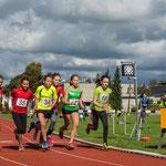 Start 800m der AK W11 mit Johanna und Viktoria