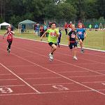 Kilian sprintet mit der besten Zeit seines Jahrgangs über die Ziellinie :)