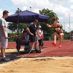Vevi springt mit 4,32m auf Platz 3