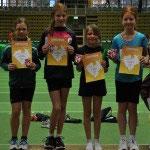 U12 Mädchen Staffel: Jule Hartwig, Victoria Isensee, Katharina Emmerich und Sophia Luft.