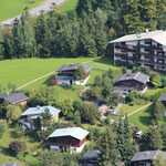 Luftaufnahme, letztes Ferienhaus hinten links ..
