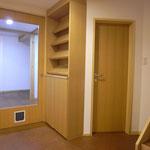 玄関ホール・猫ドア