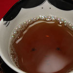"""番茶。汲出し碗の""""百福""""がとっても可愛らしい♪"""