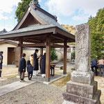 最後は如信上人の墓所、大網本廟へお参りです。寺から車で15分くらいです。