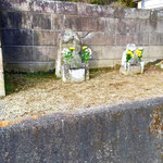 善鸞大徳(如信上人の父)の墓所。