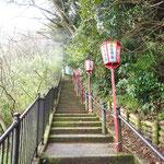 階段を登ると・・・。