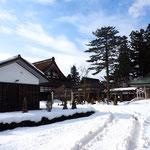 雪の浄興寺。