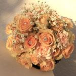 Brautstrauß aus Rosen, Floristik