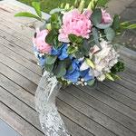 Brautstrauß mit Hortensien, Pfingstrosen, Eustoma
