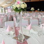 Tischdekoration, Blumengesteck, Stangenvasen
