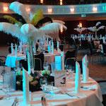 Tischdekoration, die goldenen 20er, Stangenvasen, Straußenfeder, Betriebsfeier, Maritim Hotel Bonn