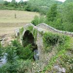 Le pont de Figères - à 8 km de Vals les Bains