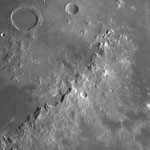 Région des Apennins avec la rainure Hadley qui court le long de la chaîne de montagne. C'est là que s'est posé Apollo 15. C14, ASI178, IR742, 14 février, Lionel