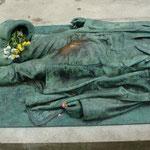 Paris, Le Cimetière du Père-Lachaise, das Grab von Victor Noir