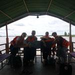 die Crew am Sonntag auf dem Weg zur vietnamesisch-kambodschanischen Grenze